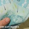 PM apreende  cinco notas falsas de R$100 no comércio de Teófilo Otoni