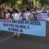 No Dia do Enfermeiro, profissionais da área fazem manifestação em T.Otoni  pedindo melhores condições de trabalho