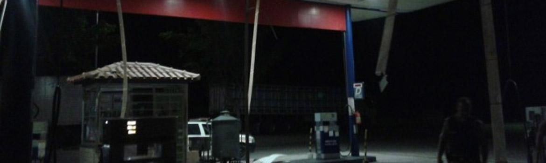Bomba destrói parte do posto de combustíveis do Kaladão