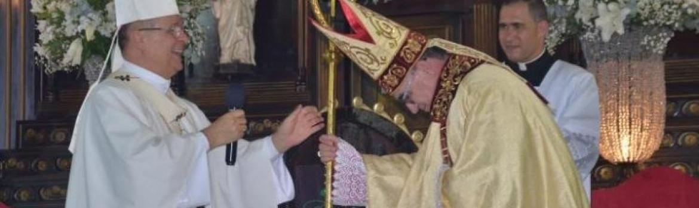 Dom Messias toma posse como novo bispo da diocese de Teófilo Otoni